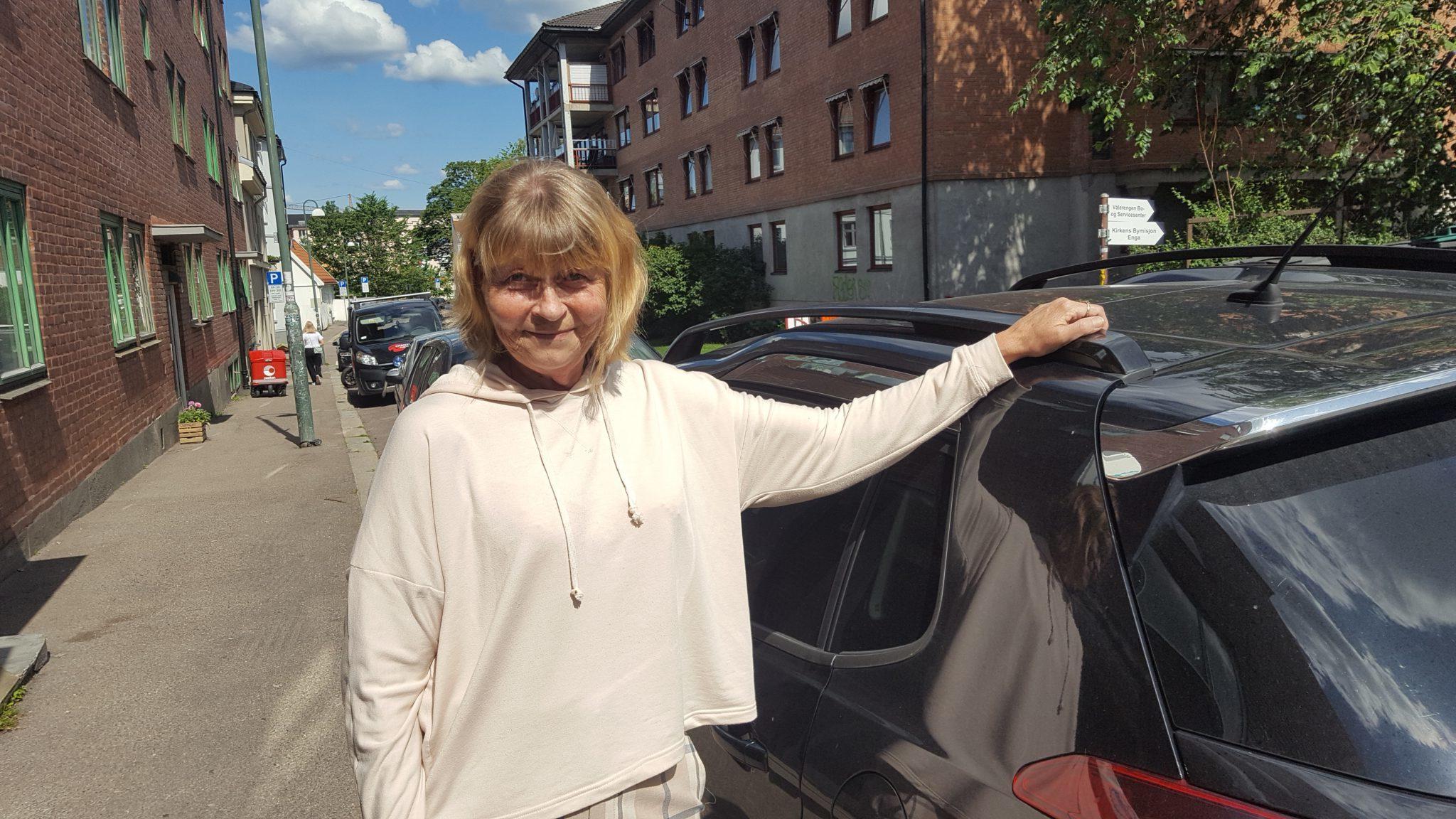 Kirstin trenger bilen sin