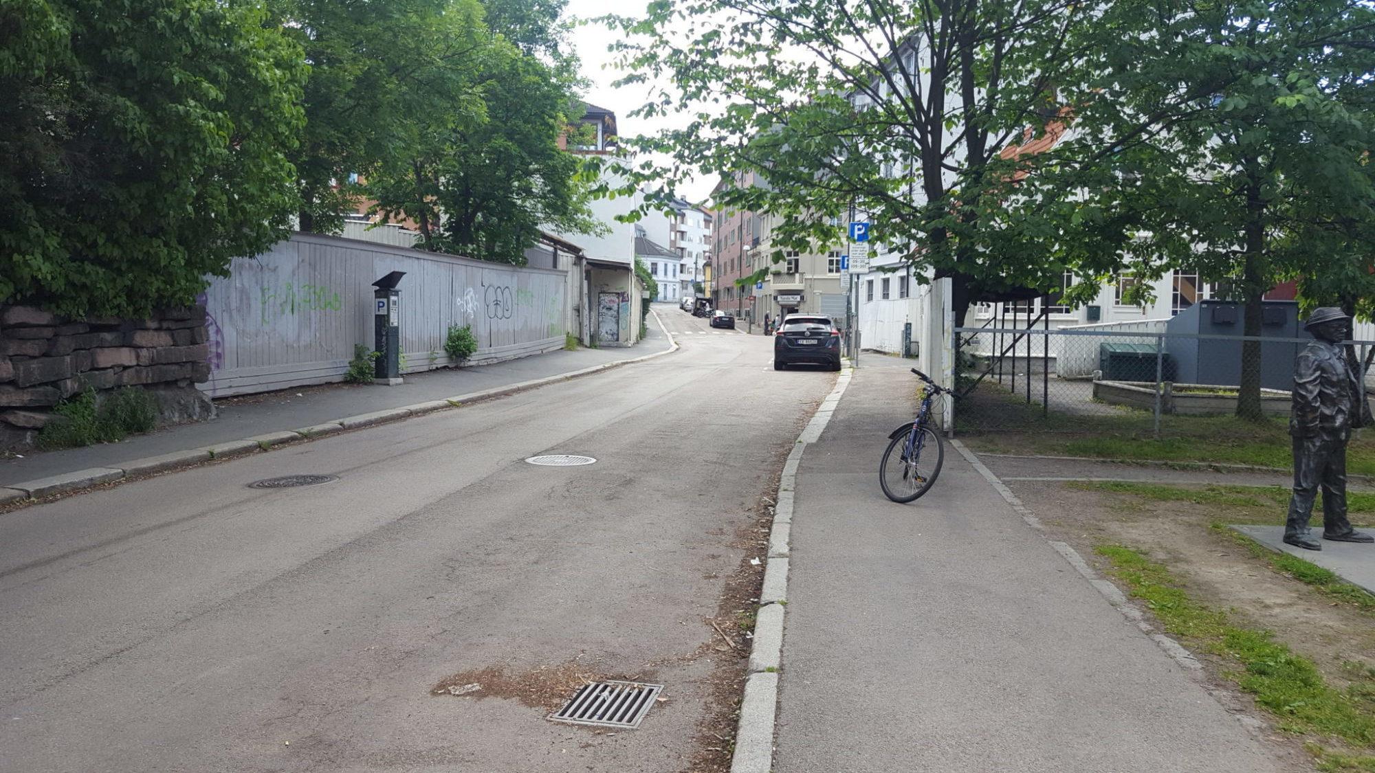 Etterstadgata: Nærkjøpmann fortviler over fjerning av P-plasser